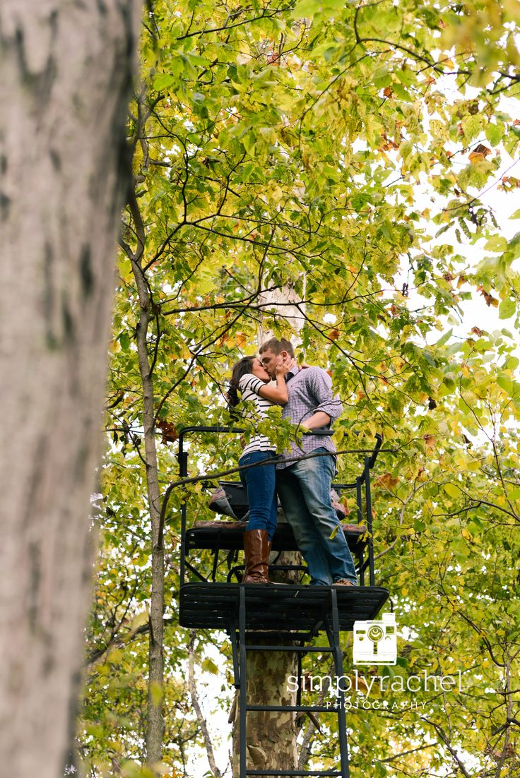 Engagement photography. Hunting lovers