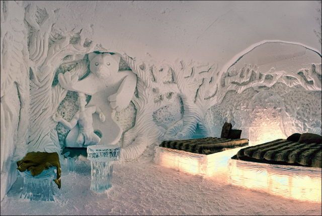Ice Hotel Quebec, Canada...a peak at one of the rooms.
