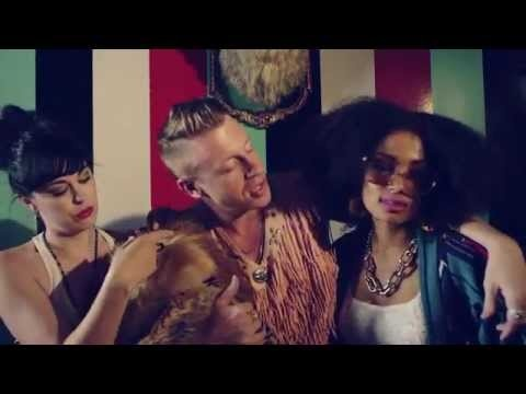 MACKLEMORE & RYAN LEWIS - THRIFT SHOP FEAT. WANZ (OFFICIAL VIDEO)+Download
