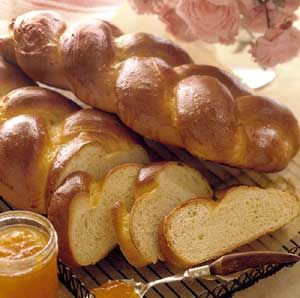Finnish Braids.This braided bread recipe blends the spicy-sweet flavor of cardamom with a hint of orange. As a homemade gift, wrap in plastic wrap, tie with a bow, and place it in an attractive bread basket basket. To serve, slice and toast for breakfast or layer with sandwich makings.