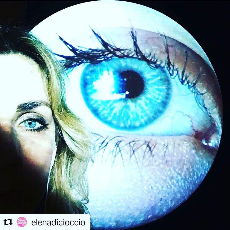 """Tra i numerosi visitatori di questa mattina alla mostra Enjoy. L'arte incontra il divertimento anche l'ex """"Iena"""" Elena Di Ciccio Attrice e Conduttrice   #Repost @elenadicioccioBig Moon Diamonds  #enjoychiostro #artwork #tonyoursler"""