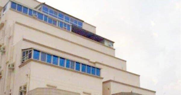 مقاول يحتال على 45 مواطنا ويعرض شققهم للبيع في مزاد ويهرب للخارج والمحكمة تنظر قضيتهم تنظر المحكمة العامة في مكة المكرمة الشهر ال Building Multi Story Building