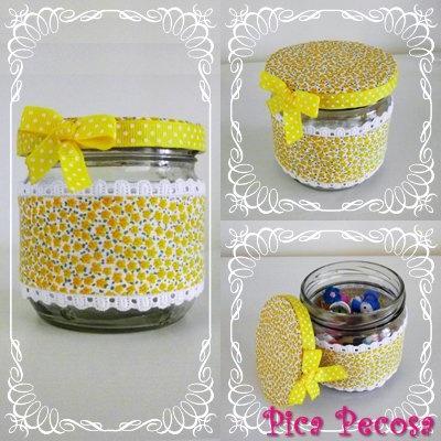 Recycled glass jar with fabric, lace and bow / Bote de cristal reciclado con tela, puntilla y lazo
