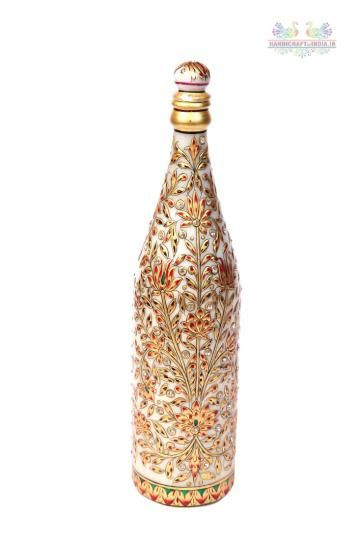 The Meenakari Marble Champagne Bottle boasts of the rich combination of two exquisite aspects, the intricate Meenakari traditional artwork with the pristine white marble. Presence of breathtaking execution of Meenakari work throughout the body of this piece has made it an item to behold.
