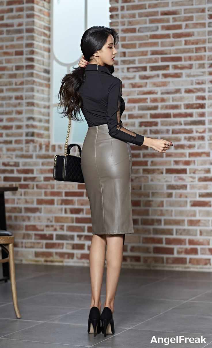 Grey Leather Pencil Skirt Office Outfit #laurethdysiac