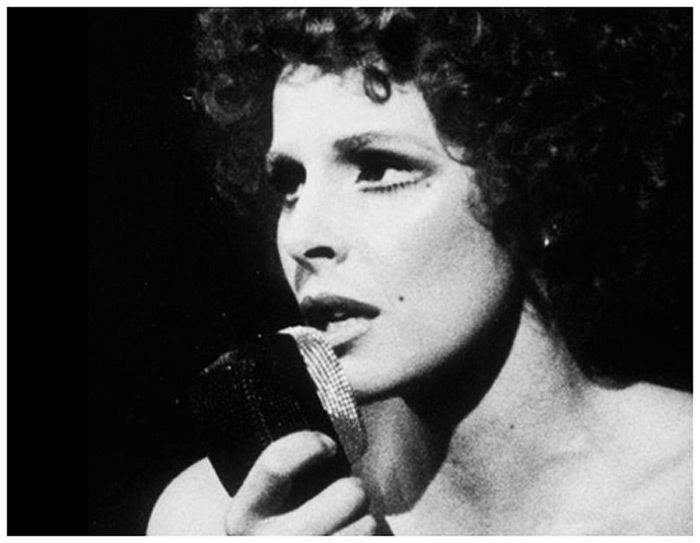 I dinosauri della musica italiana: 10 cantanti con più di 50 anni di carriera: Ornella Vanoni