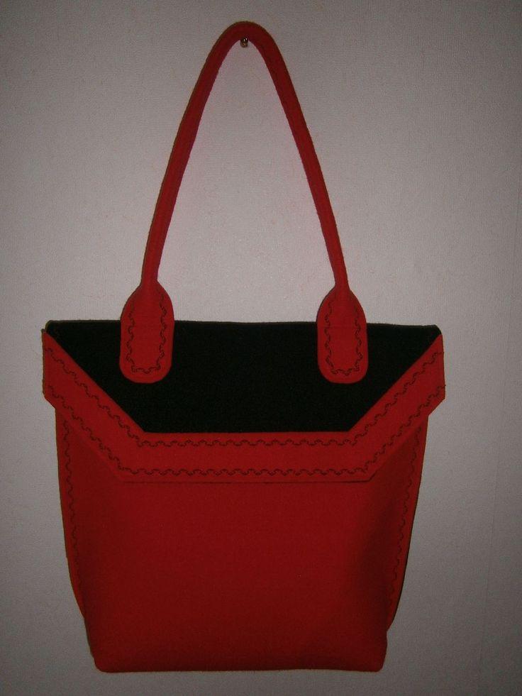 torba z filcu czerwono - czarna