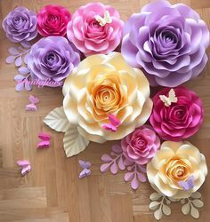 Coolest DIY Paper Flowers For Anyone Big Paper Flowers, Crepe Paper Flowers Tutorial, Paper Flower Backdrop, Fabric Flowers, Paper Decorations, Flower Decorations, Diy Paper, Paper Crafts, Flower Crafts