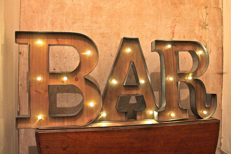 Leuchtschrift Leuchtreklame BAR Leuchtbuchstaben Vintage Deko Retro beleuchtete LED Buchstaben.