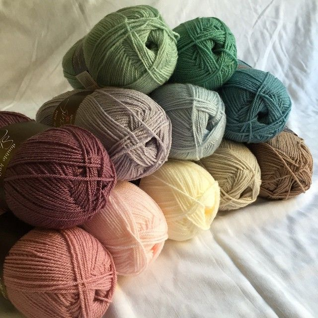 Stylecraft Special Dk in Pale Rose, soft Peach, cream, Parchment, Mocha, storm Blue, Sage, Parma Violet, Grape and Stylecraft life Dk in Ice Blue and Mint #stylecraft