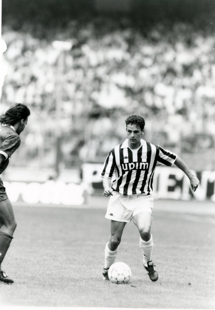 Roberto Baggio :)) (I hate juve, but this man is my hero so this picture is okay lol)
