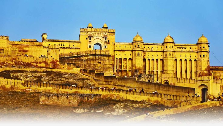 There are so many diverse destinations to visit in Rajasthan that you will not be able to plan out properly. On the contrary, the Rajasthan holiday packages will definitely make things easier and simpler for you. You can visit Jaipur for historical palaces and the richness of the colorful city