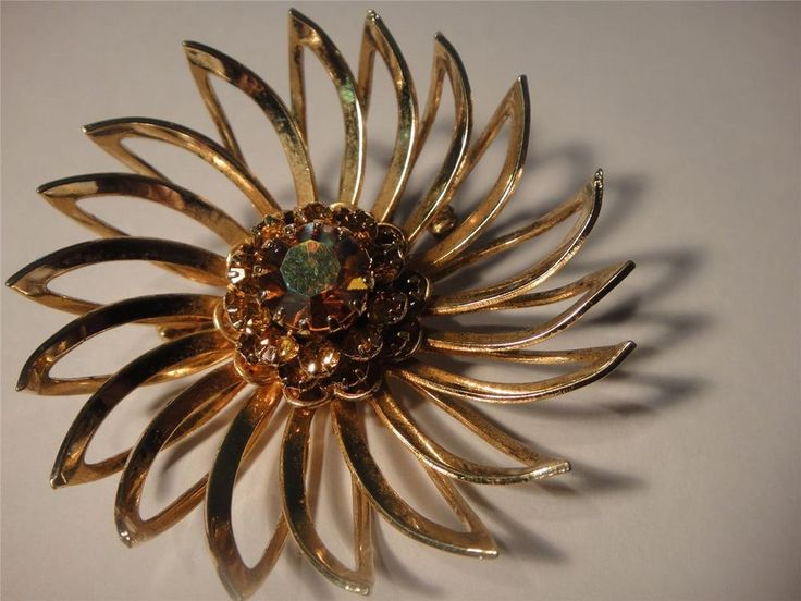 BROOCH vintage Sarah Coventry CANADA elegant glass jewel 4.5cm quality estate