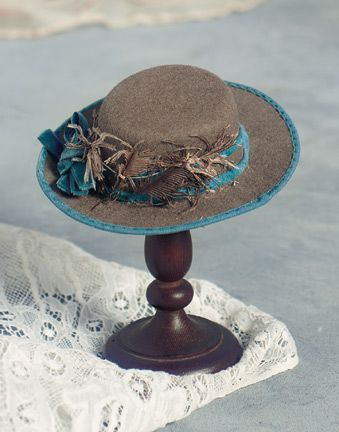 how to make hat stand with wire hangars