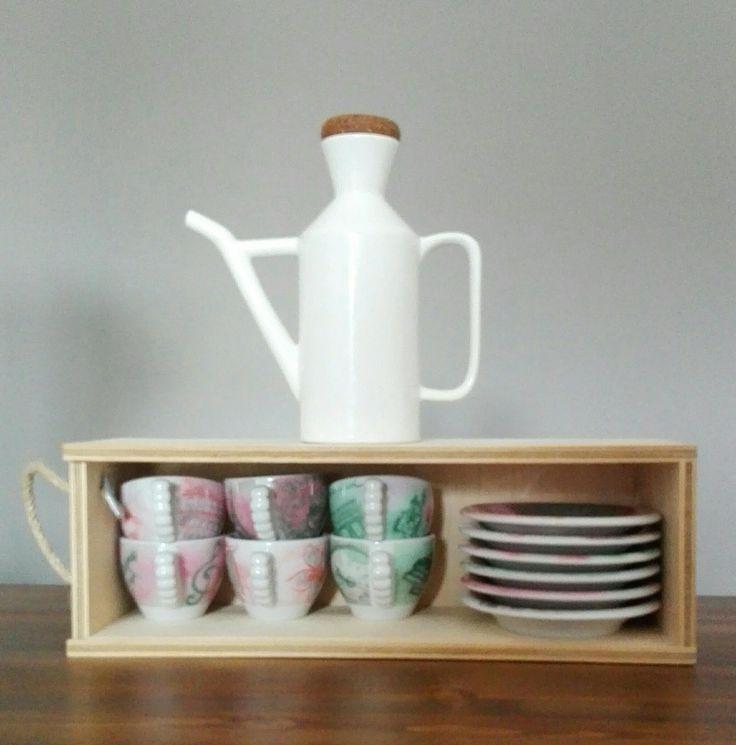 Il blog di El: Sistemare le tazzine del caffé #riciclare scatole legno bottiglie del vino