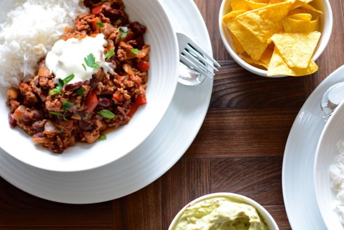 Delicious chilli con carne recipe - cheap and simple to make, suitable for freezing, one of your five-a-day, and only 181 calories per serving.