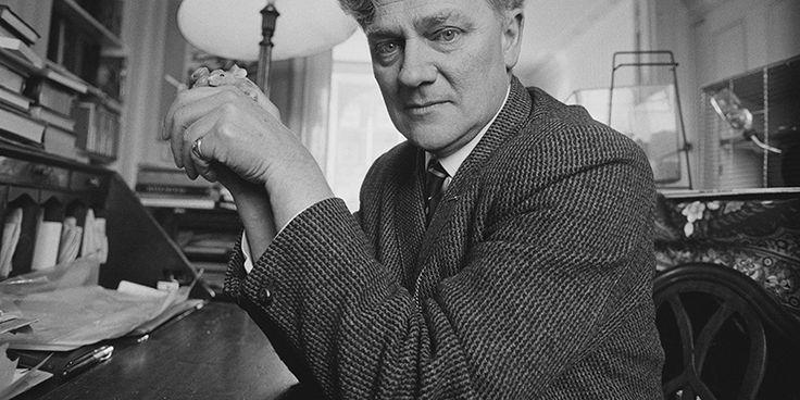 Lo scrittore britannico Richard Adams è morto oggi a 96 anni, come ha confermato sua figlia aBBC News. Adams era soprattutto conosciuto per avere scritto