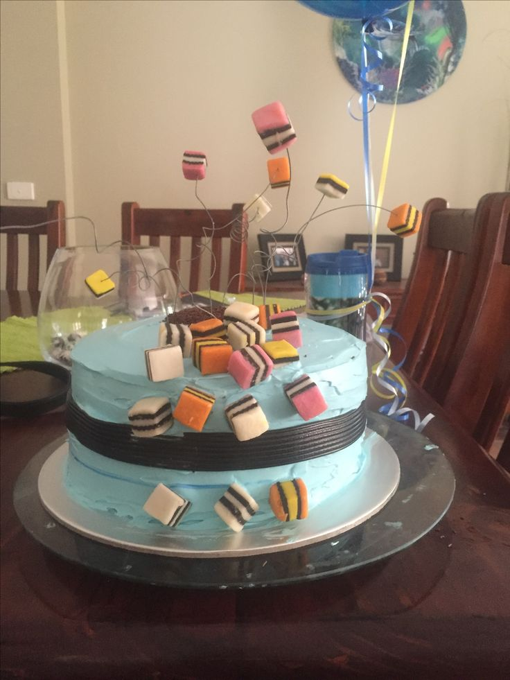 1000 Ideas About Lolly Cake On Pinterest Lollipop Cake