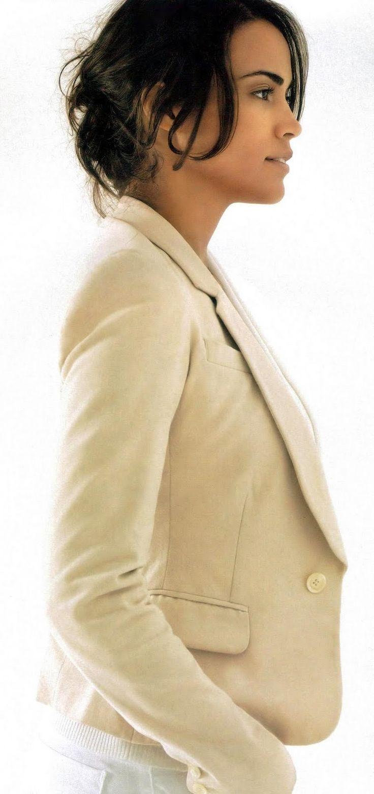Casual and still a beauty. Paula Patton.