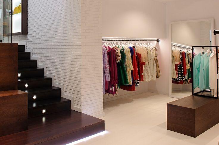 Blumé / equipoeme estudio #escalera #diseño #interiorismo #tienda #ropa