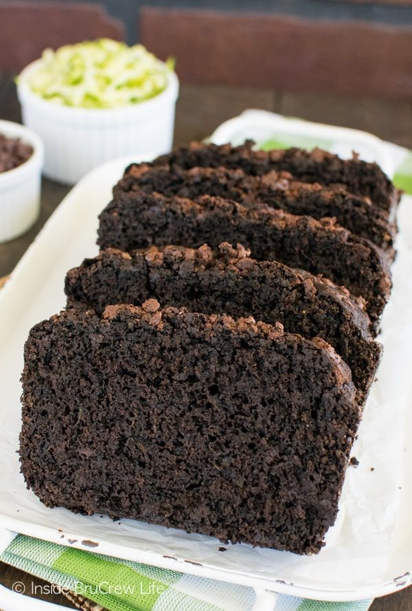 Dark Chocolate Zucchini Bread - adding chocolate to green veggies makes this sweet bread so good! Awesome breakfast recipe!