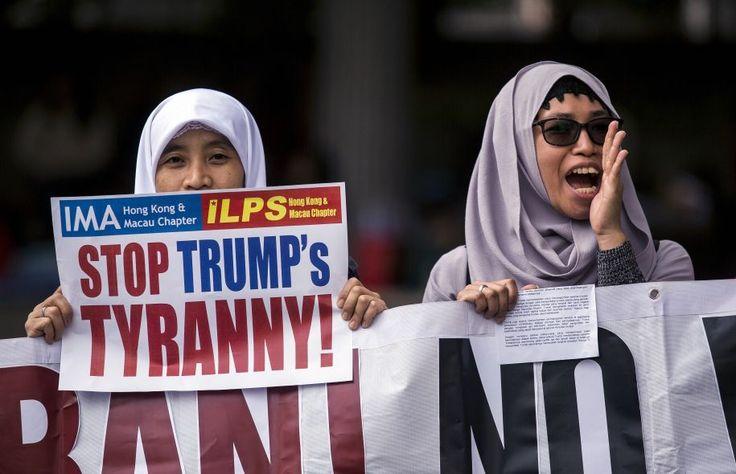 Le décret migratoire américain a provoqué des manifestations dans plusieurs villes du monde. L'une d'elles s'est déroulée dimanche, à Hong Kong, devant le consulat américain.