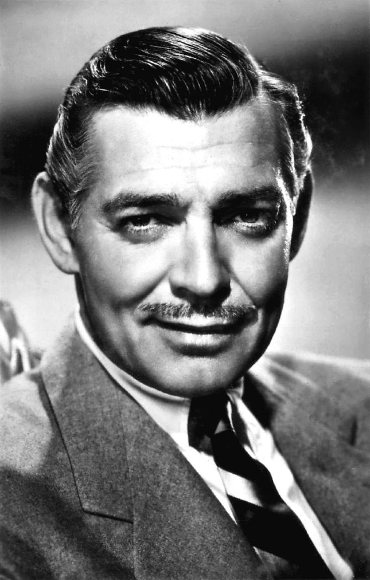 William Clark Gable (Cádiz, 1 de febrero de 1901 - Los Ángeles, 16 de noviembre de 1960) Gable ganó prestigio con su papel en la comedia romántica Sucedió una noche (1934), de Frank Capra, un filme lleno de secuencias antológicas que se llevó cinco Oscar; uno de ellos fue para el propio Gable como mejor actor. Su célebre interpretación en Lo que el viento se llevó (1939) de Victor Fleming, en la cual encarnó al inolvidable aventurero Rhett Butler, significó su consagración.