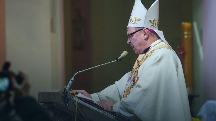 Biskup do Dudy: wprowadź w życie błaganie Jana Pawła II #wybory2015 #Polska