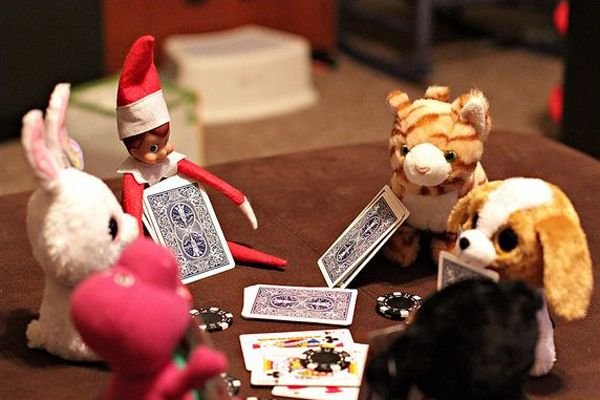 Funny ideas for Elf on the Shelf: playing cards