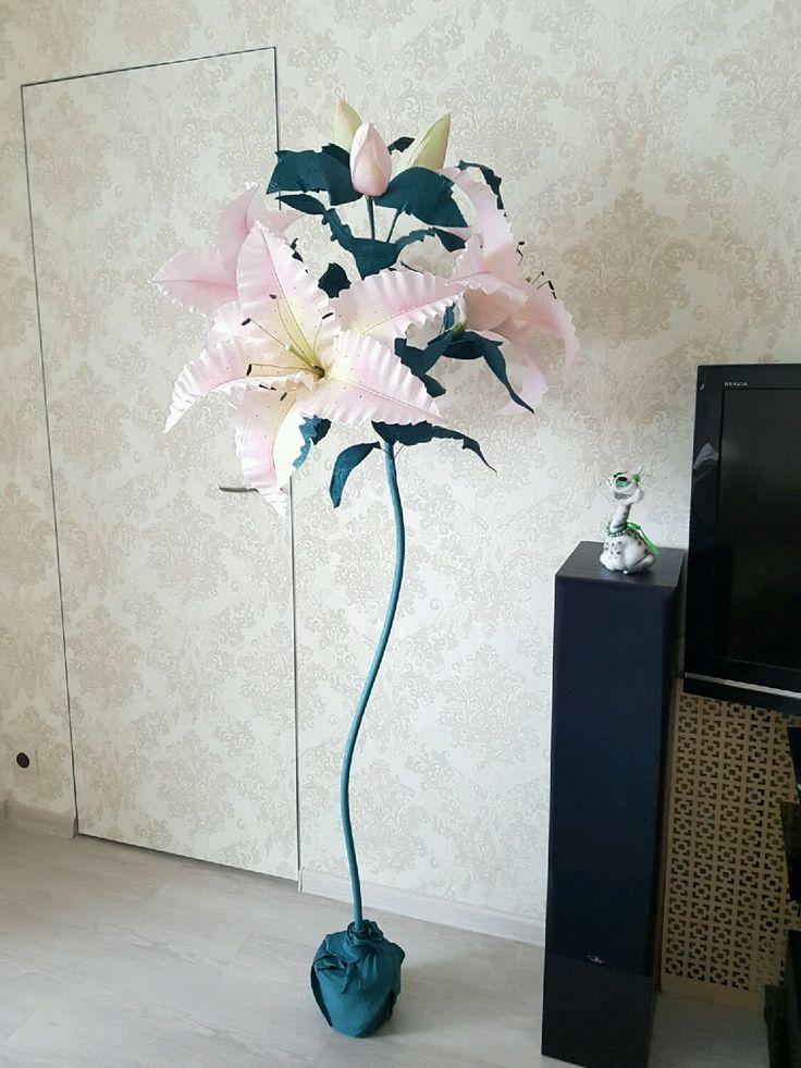 Купить Лилия из гофрированной бумаги - большие цветы, гигантские цветы, оригинальный подарок, украшение интерьера