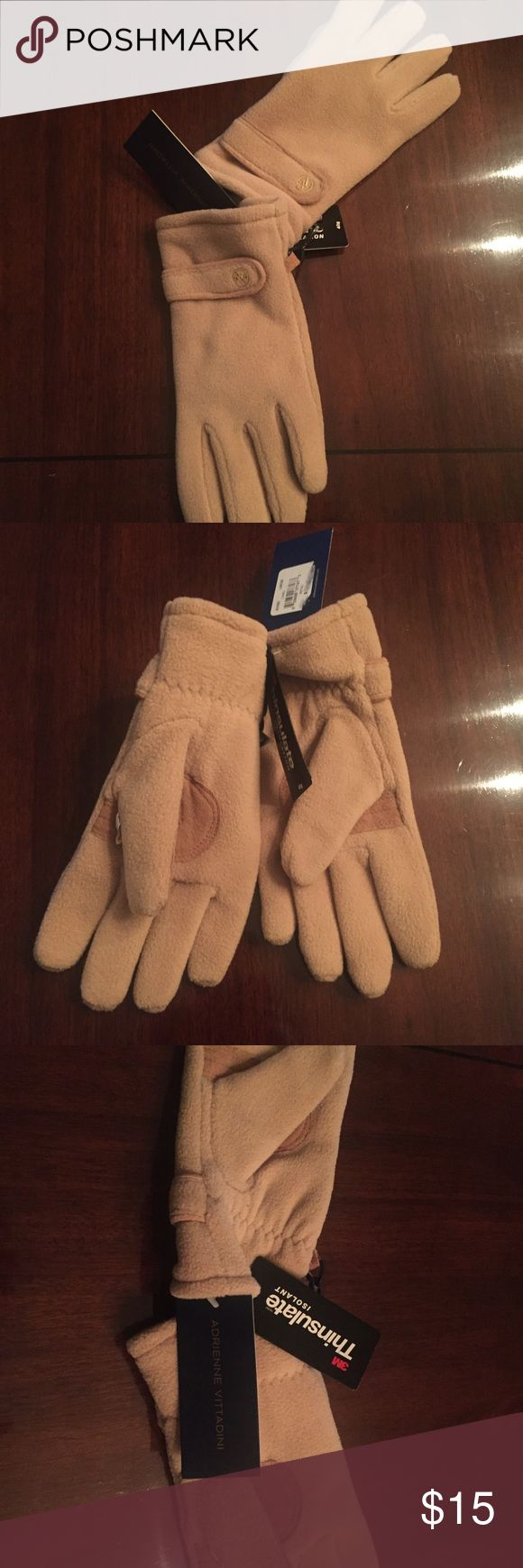 "NWT Adrienne Vittadini Tan ""Thinsulate"" Gloves Tan Adrienne Vittadini ""Thinsulate"" Gloves. Very warm, fleece lined. Never worn. Size Large. Adrienne Vittadini Accessories Gloves & Mittens"