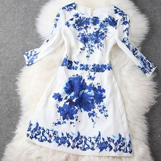 Rochie alba imprimeu flori albastre - LoraShop