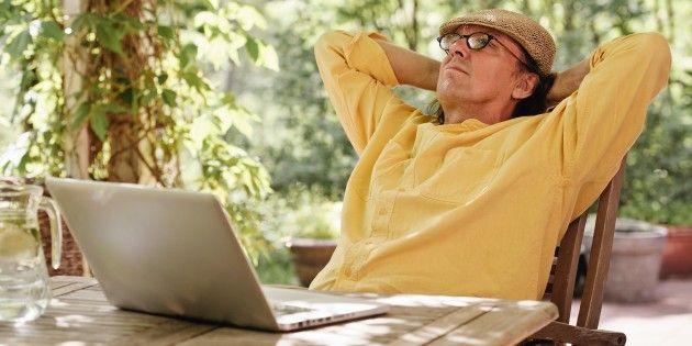 """Как пенсионеру найти работу в интернете. Пенсия в нашем государстве — извращённая насмешка социальной системы. Чтобы жить, нужна ещё и работа. Но пенсионеров чаще всего приглашают на вакансии с самой низкой зарплатой. А что, если поискать работу в интернете? Есть вопросы? консультации в скайпе laponova добавляйтесь с пометкой """"работать в интернете"""""""