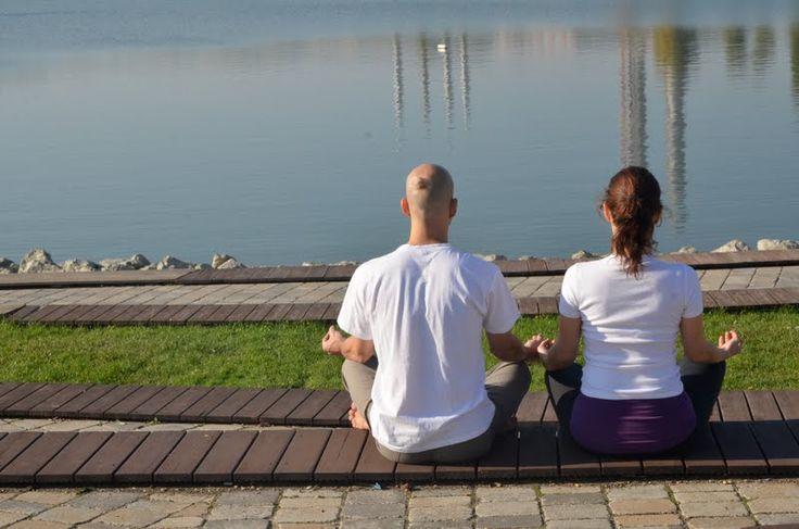 Vitai Kati és Purusa www.eljharmoniaban.hu #kezdőjóga #hathajóga #jógatanfolyam #jóga #jógabudapest #meditáció #meditációstanfolyam  #jógastúdió #yogabudapest  #yoga #yogabudapest  #eljharmoniaban  #vitaikati #purusa  #yogapose #asana #ászana #stone  #meditation
