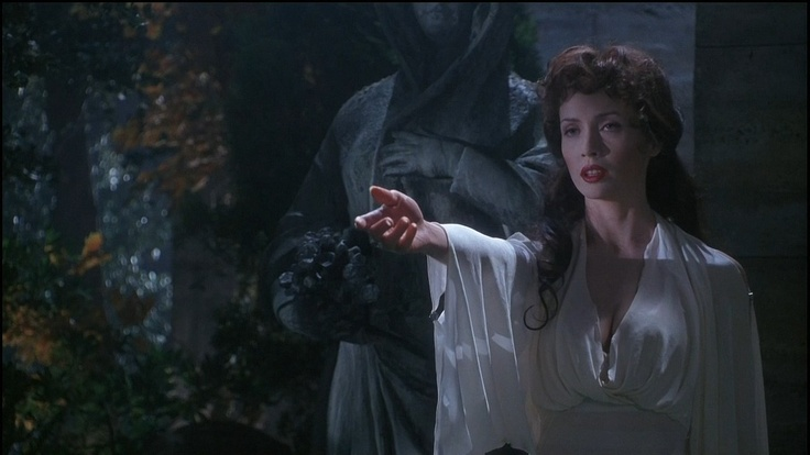 Lucy Westernra from Dracula: Dead and Loving It. | S K I N ...