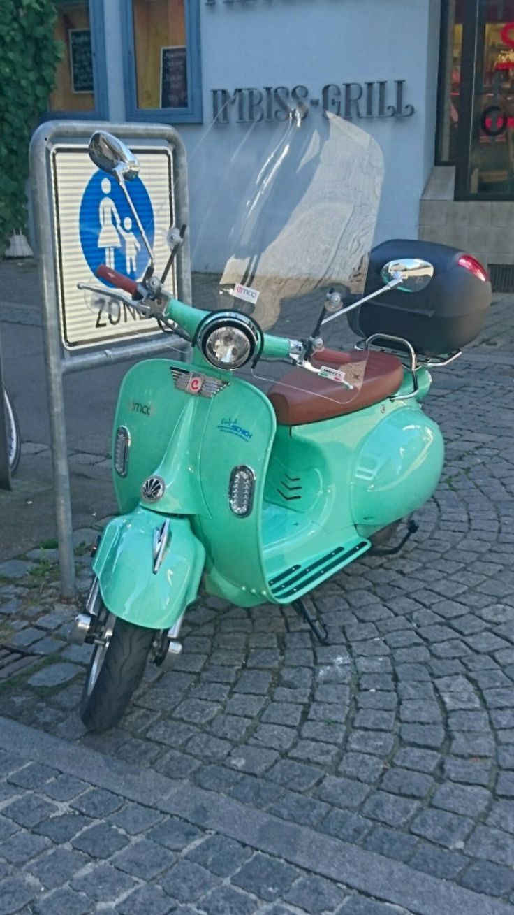 Vespa scooters motorcycle motorcycles