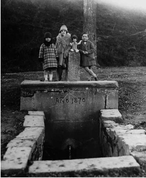 #Pamplona #Navarra. La fuente del Hierro, en una imagen de 1927.