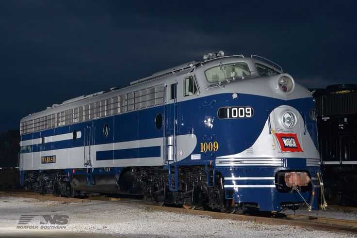 Here's another shot of the Wabash E8A #1009.