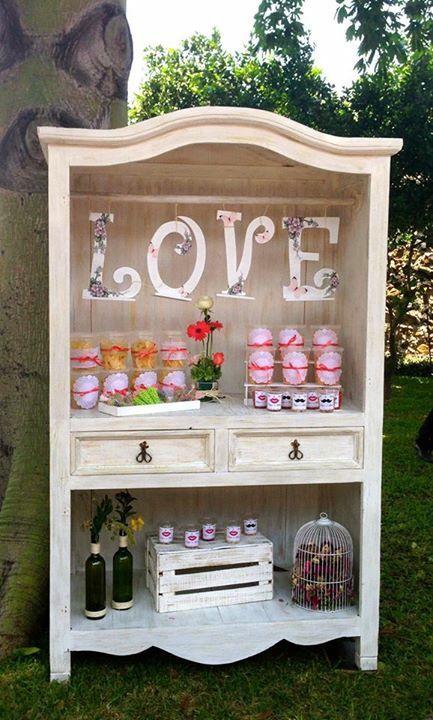 www.casaleonarda.com.mx  Mesa de dulces - Armario Vintage - candy bar - wedding - decorations - boda - decoración - blanco - white - flowers - love - sweet