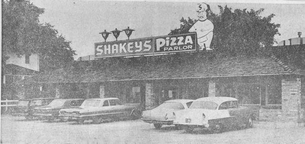 Flashback Fridays Shakey 39 S Pizza Waterloo Ia Iowa