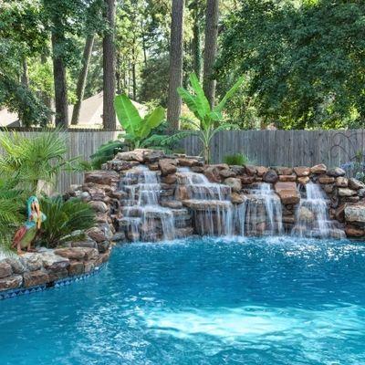 M s de 25 ideas fant sticas sobre cascada de la piscina en for Ideas de piscinas con cascadas
