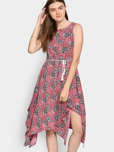 Black and red printed fit and flare dress, has a round neck, sleeveless, stylized handkerchief hemline; Comes with a rope belt