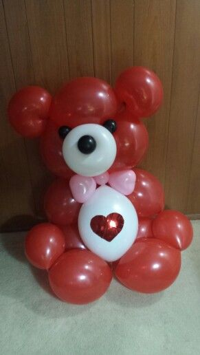 Balloonsandbeyond.net 3' tall Teddy Bear