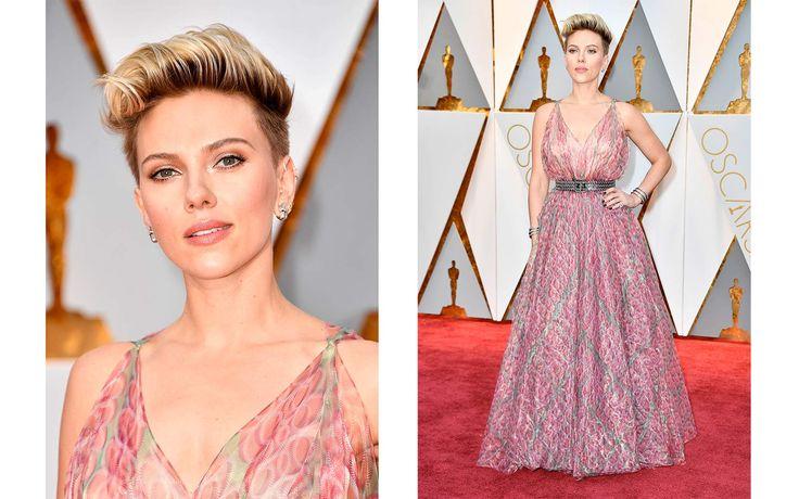 Oscar per il trucco all'attrice di Ghost in the shell che sembra invece non aver centrato la scelta dell'abito e dell'acconciatura