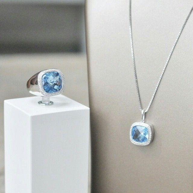 Something blue - Blå sten omringet av diamanter <3