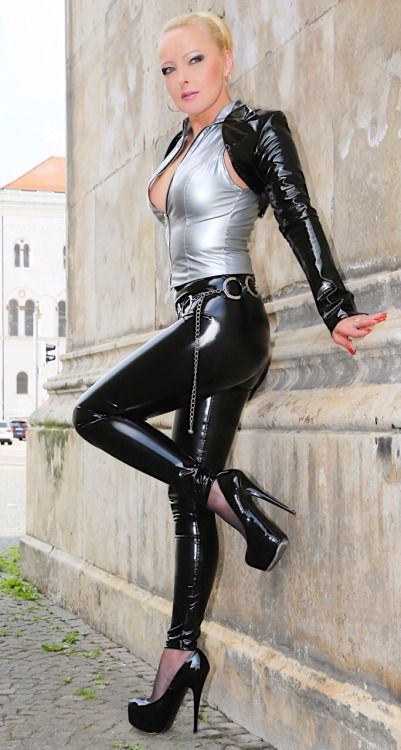 Milf In Latex Boots