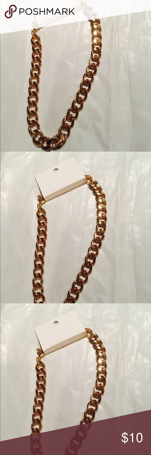 Gold chunky Chain necklace  with-adjustable length Very nice Gold chunky necklaceAdjustable. Stay on point necklace. Brand new. H&M Jewelry Necklaces