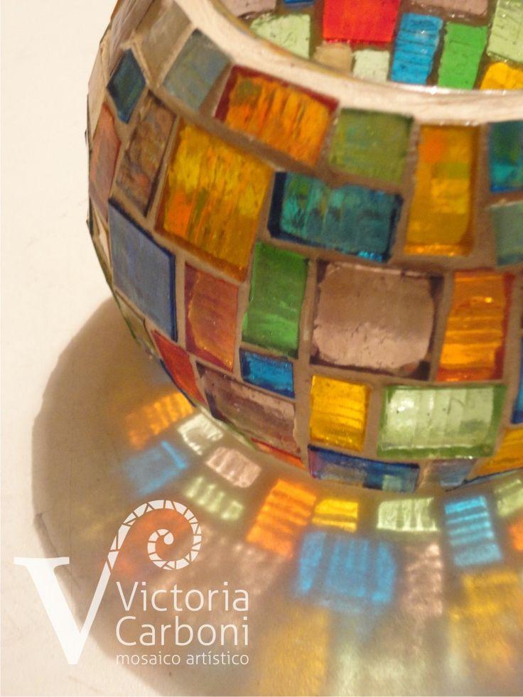 Fanal con mosaico veneciano translúcido. Victoria Carboni Mosaico