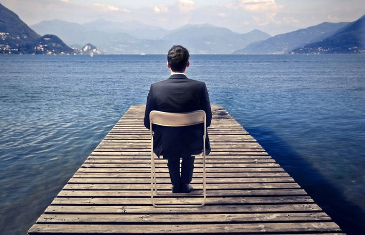 """#Gestión de #liderazgo """"Carisma"""", """"poder"""", """"extrovertido"""" y """"confianza"""" son palabras que se asocian con el liderazgo. Por lo que se suele pensar que las personas introvertidas no son buenos líderes."""