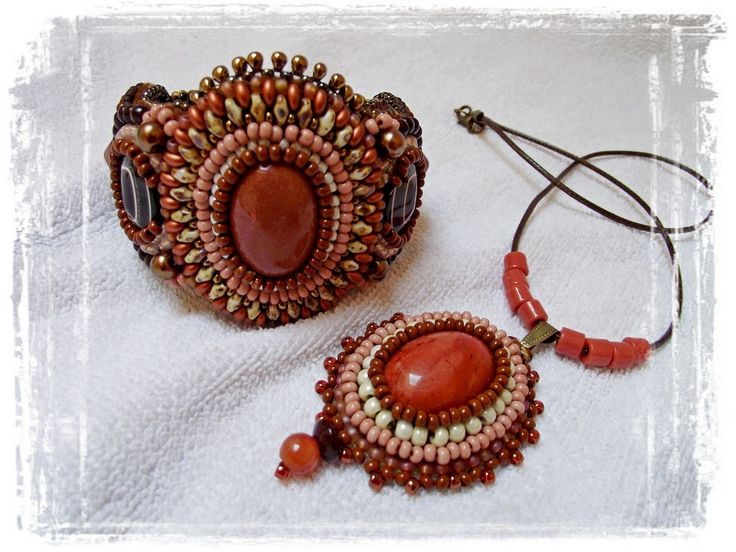 Gold sandstone &red jasper set
